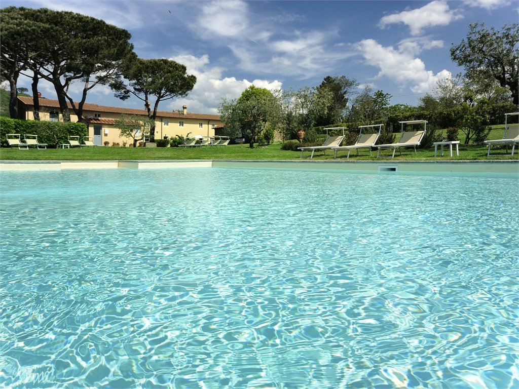 Borgo casalvento le piscine for Cantagrillo piscine